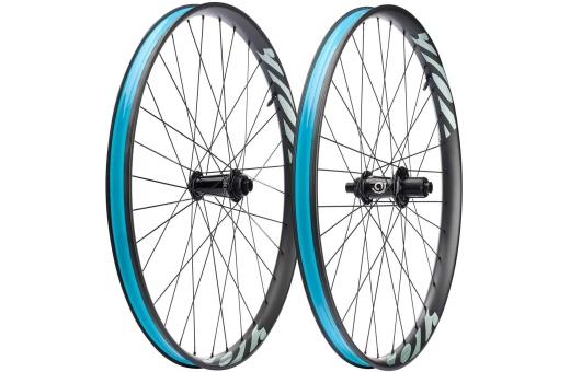 Fel nav på bilden - Bilden visar hjulen med Industry Nine nav